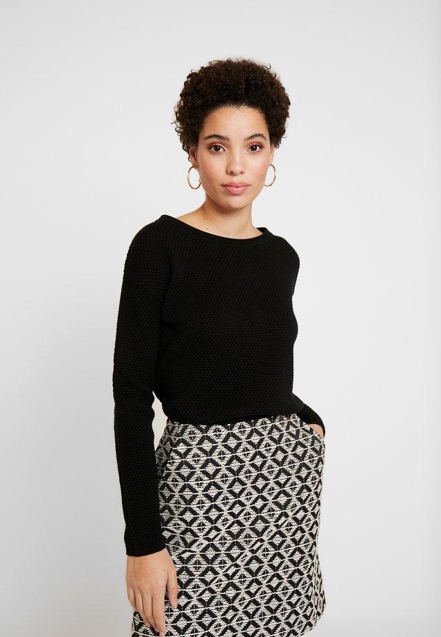 STRUCTURED - Sweter - deep black