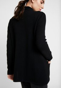 TOM TAILOR - CARDIGAN STRUCTURED - Cardigan - deep black - 5