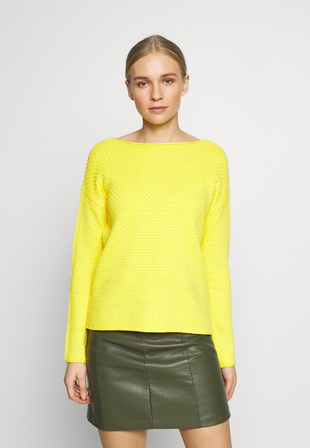 BOXY STRUCTURE - Jumper - jasmine yellow