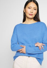 TOM TAILOR - BOXY STRUCTURE - Sweter - sea blue - 3