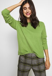 TOM TAILOR - BOXY STRUCTURE - Sweter -  green - 3