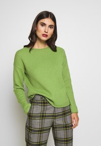 TOM TAILOR - BOXY STRUCTURE - Jersey de punto -  green - 0