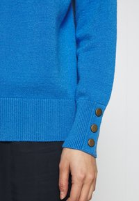 TOM TAILOR - SWEATER BOATNECK - Sweter - parisienne blue melange - 6