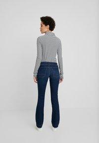 TOM TAILOR - ALEXA - Jeans Bootcut - mid stone bright blue denim - 2