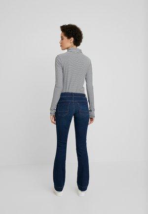 ALEXA - Bootcut jeans - mid stone bright blue denim