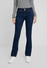 TOM TAILOR - ALEXA - Jeans Bootcut - mid stone bright blue denim - 0