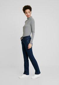 TOM TAILOR - ALEXA - Jeans Bootcut - mid stone bright blue denim - 1