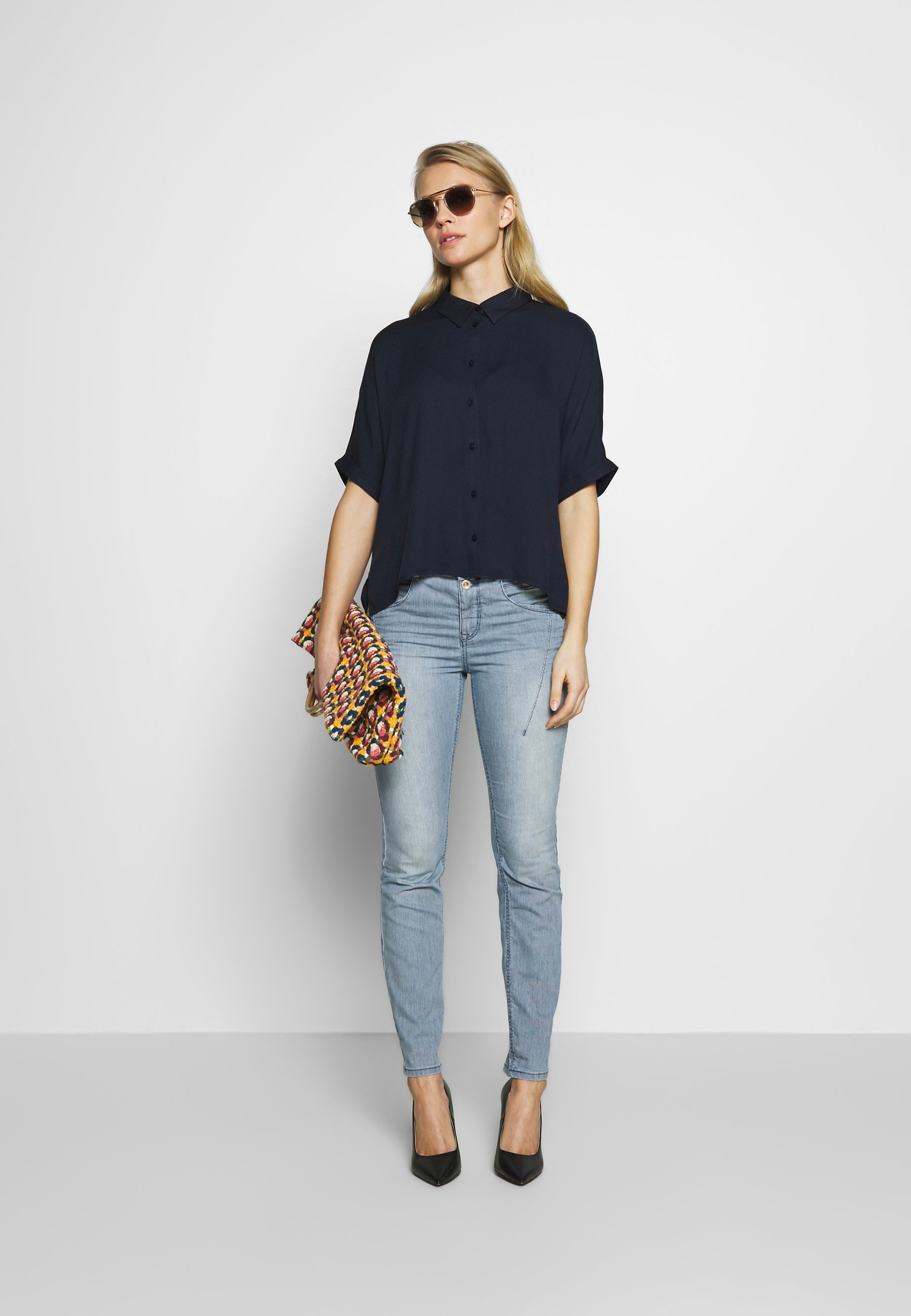TOM TAILOR Jeansy Relaxed Fit - blue