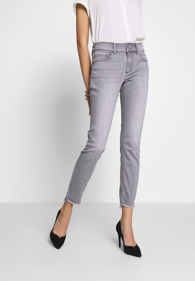 ALEXA  - Jeansy Skinny Fit - clean light stone grey denim  grey,