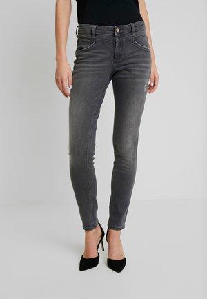 ALEXA - Skinny džíny - grey denim