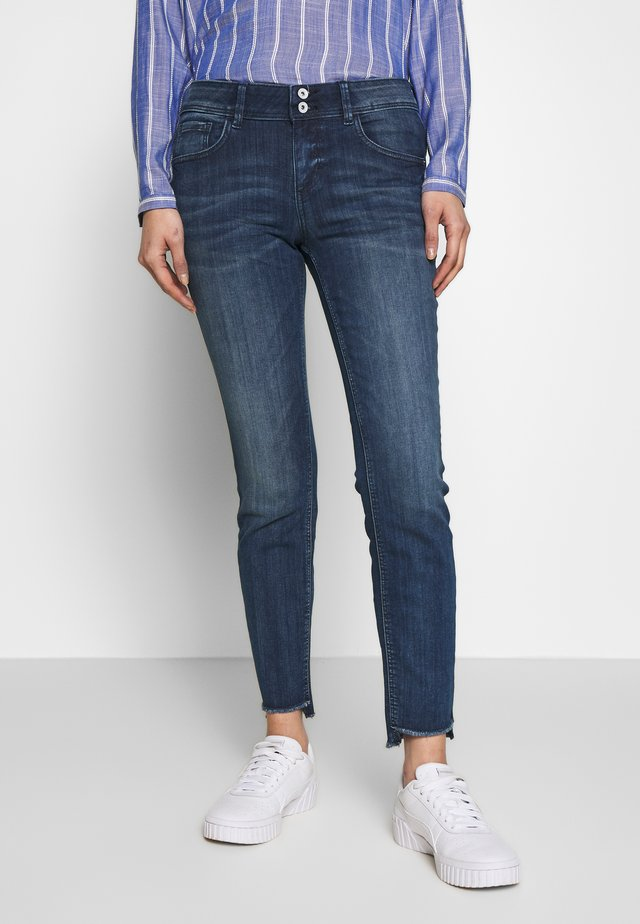 CARRIE - Jeansy Slim Fit - blue denim