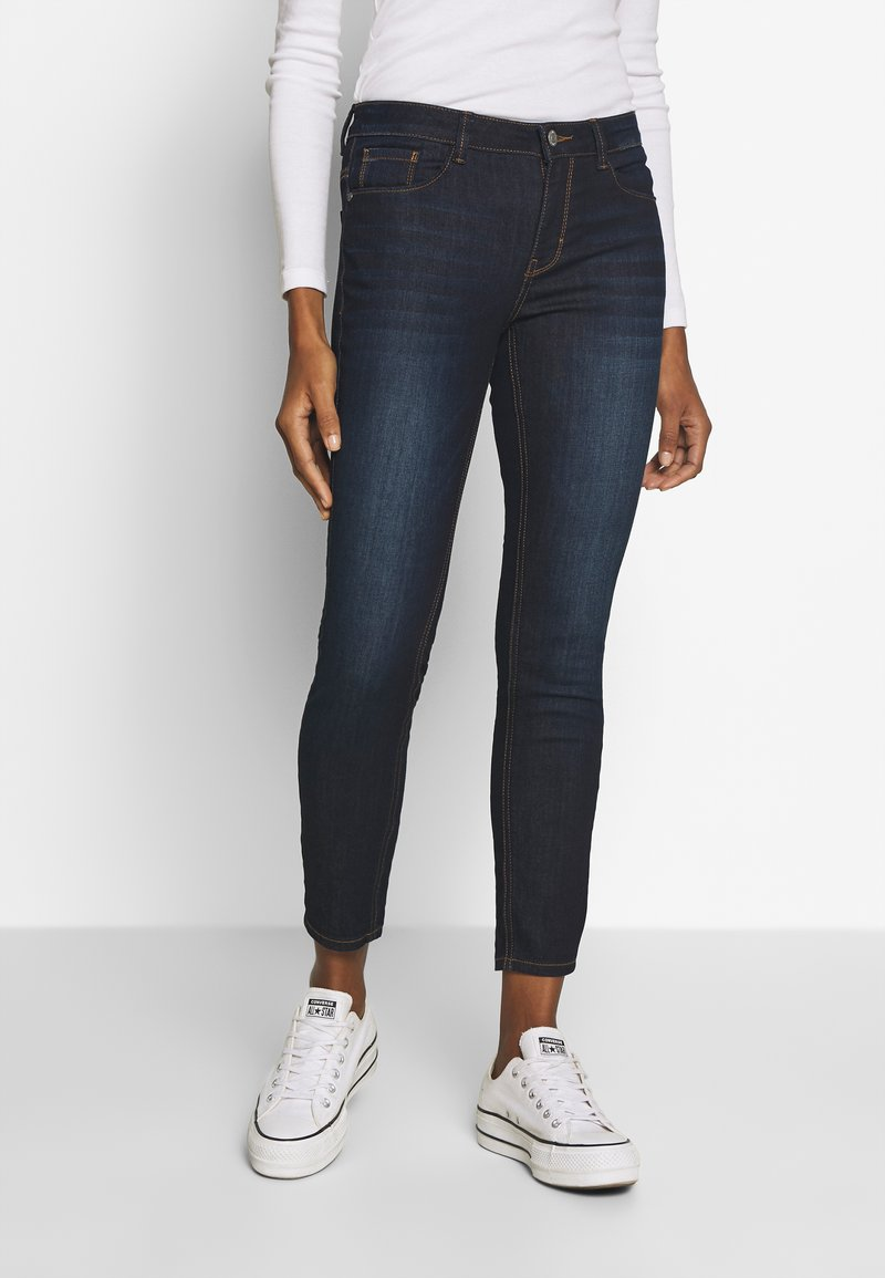 mine to five TOM TAILOR - WASH - Jeansy Skinny Fit - rinsed blue denim