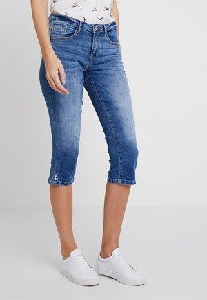 ALEXA - Shorts vaqueros - mid stone bright blue denim