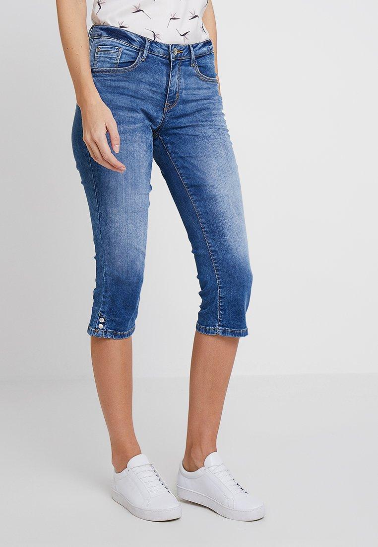 TOM TAILOR - ALEXA - Jeans Shorts - mid stone bright blue denim