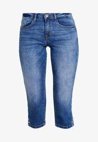 TOM TAILOR - ALEXA - Shorts vaqueros - mid stone bright blue denim - 3