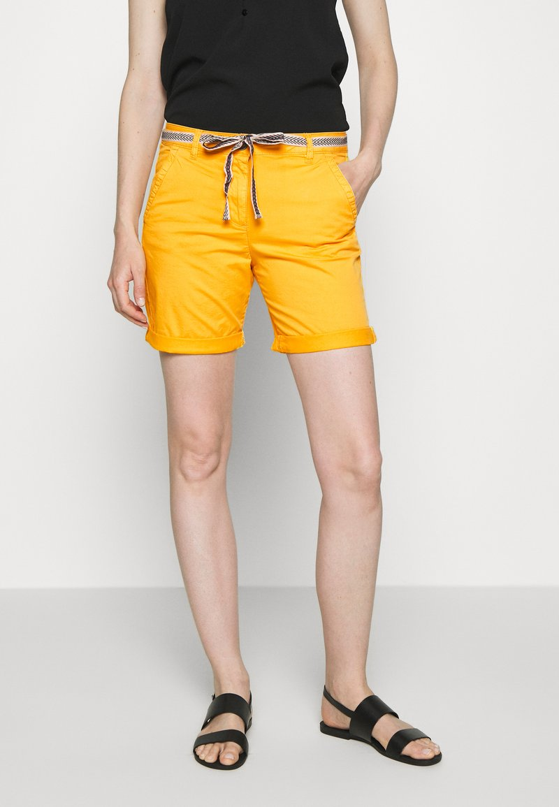 TOM TAILOR - Shorts - deep golden yellow