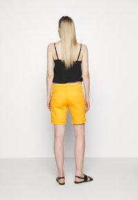 TOM TAILOR - Shorts - deep golden yellow - 2