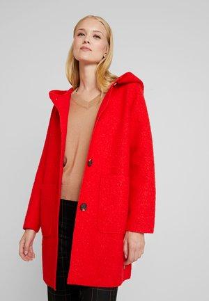 COAT WITH HOOD - Halflange jas - brilliant red