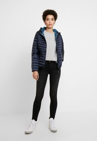 TOM TAILOR - SPORTIVE LIGHTWEIGHT JACKET - Veste d'hiver - sky captain blue - 1