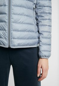 TOM TAILOR - ULTRA LIGHT WEIGHT JACKET - Light jacket - strut grey - 3