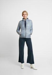 TOM TAILOR - ULTRA LIGHT WEIGHT JACKET - Light jacket - strut grey - 1