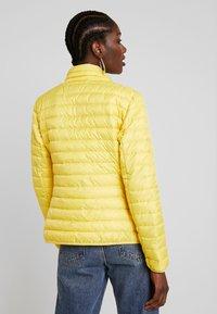 TOM TAILOR - ULTRA LIGHT WEIGHT JACKET - Light jacket - jasmine yellow - 2