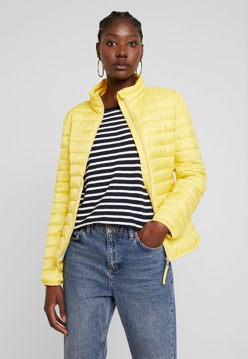 TOM TAILOR - ULTRA LIGHT WEIGHT JACKET - Light jacket - jasmine yellow