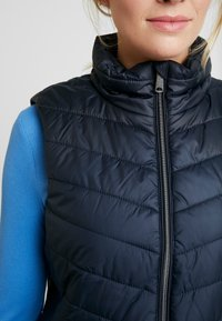 TOM TAILOR - ULTRA LIGHTWEIGHT VEST - Smanicato - sky captain blue - 5