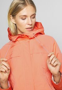 TOM TAILOR - SUMMER LIGHTWEIGHT JACKET - Kurtka wiosenna - fruity melon orange - 4