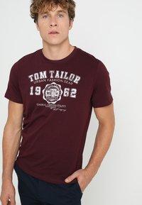 TOM TAILOR - NEW LOGO - T-Shirt print - gipsy purple - 0