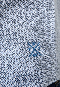 TOM TAILOR - FLOYD PRINTED - Shirt - navy blue - 4