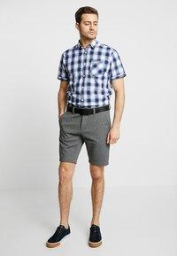 TOM TAILOR - CHECK PACKAGE SHIRT - Skjorter - white base/blue shade - 1