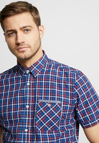 TOM TAILOR - CHECK PACKAGE SHIRT - Chemise - blue/red - 4