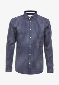 TOM TAILOR - RAY MINI PRINT REGULAR FIT - Skjorta - navy/red/blue - 4