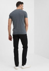 TOM TAILOR - ESSENTIAL  - Trousers - black - 2