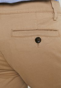 TOM TAILOR - WASHED STRUCTURE CHINO - Chino - beige - 5