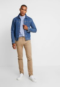 TOM TAILOR - WASHED STRUCTURE CHINO - Chino - beige - 1