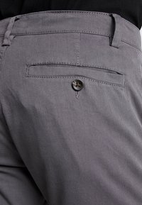 TOM TAILOR - WASHED STRUCTURE CHINO - Chinot - grey yarndye structure - 5