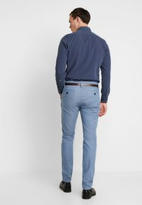 TOM TAILOR - WASHED STRUCTURE - Chino kalhoty - light blue - 2