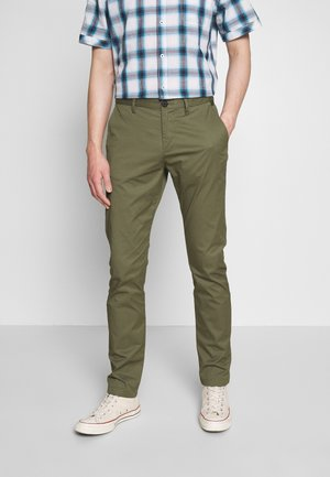 TECH  - Chino - olive night green