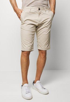 CHINO SHORT - Shorts - cashew beige