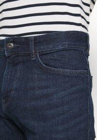 TOM TAILOR - JOSH SUPERSTRETCH - Denim shorts - dark stone wash denim - 5
