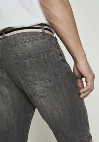 TOM TAILOR - Shorts di jeans - grey denim - 5