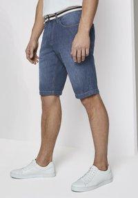 TOM TAILOR - Shorts di jeans - mid stone wash denim - 3
