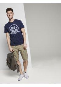 TOM TAILOR - Shorts di jeans - honey camel beige - 1