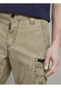 TOM TAILOR - Shorts di jeans - honey camel beige - 3