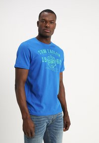 TOM TAILOR - LOGO TEE - T-shirt con stampa - simply blue - 0