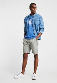 TOM TAILOR - LOGO TEE - T-shirt con stampa - midsummer blue - 1