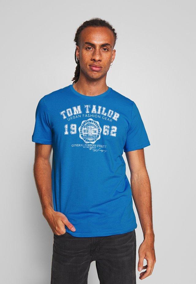 LOGO TEE - Print T-shirt - medium deep sky blue