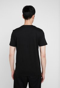 TOM TAILOR - LOGO TEE - T-shirts med print - dark greyish black - 2